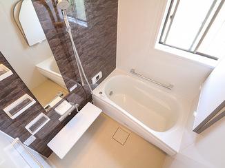 バスルームリフォーム 明るく温かく清潔なバスルーム&洗面所